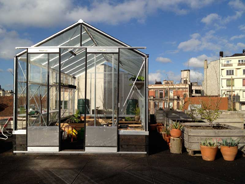 greenhouse installed on rooftop Lepage